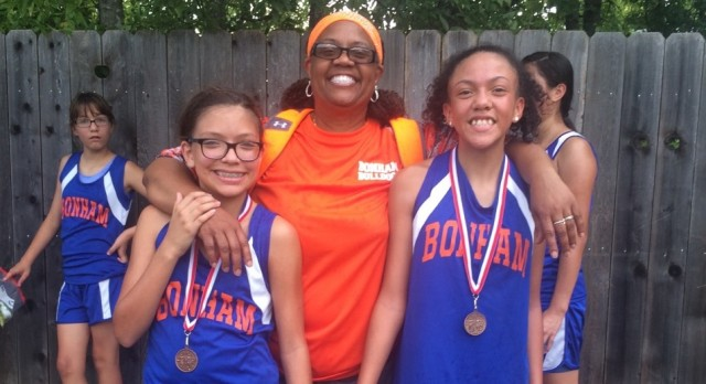 Bonham's Thomas, Dominguez medal at South Belton CC Meet