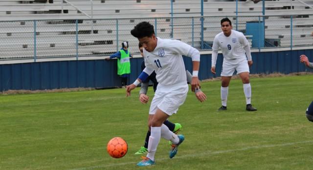 Sparkling debut: Freshman Rojas gets hat trick; Temple crushes Shoemaker