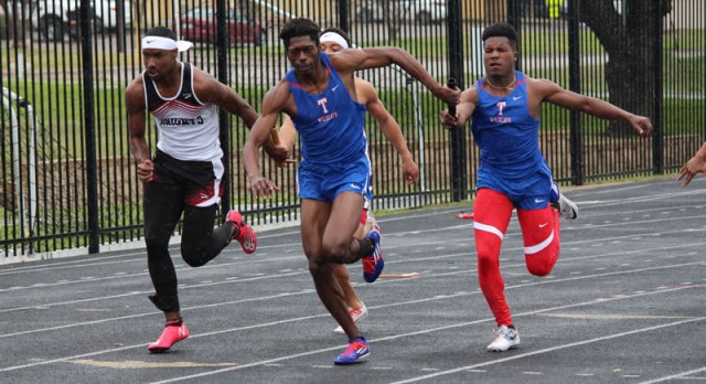 Temple athletes make most of weather-shortened Temple Relays