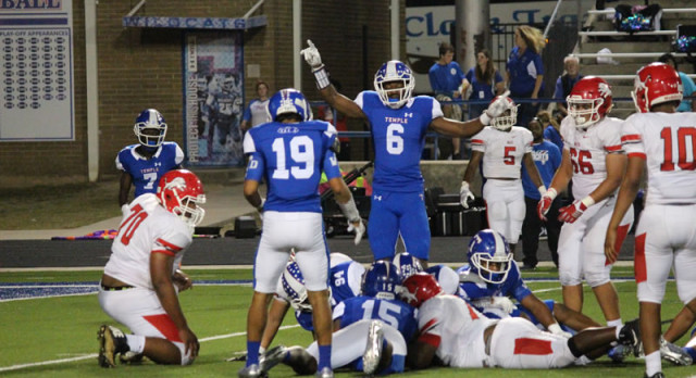 Motivated Wildcats bury Waco early in complete game