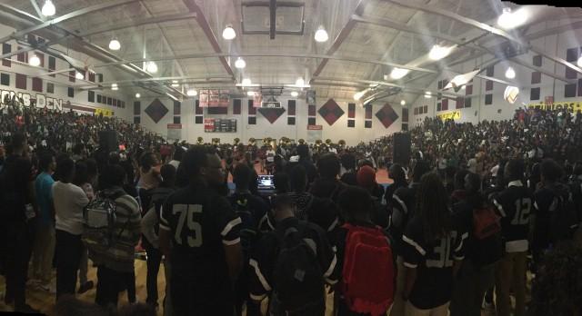 Martin Luther King, Jr High School Varsity Football beat Miller Grove High School 28-16