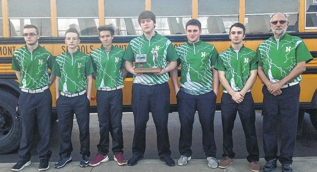 Boys bowling team qualifies for district