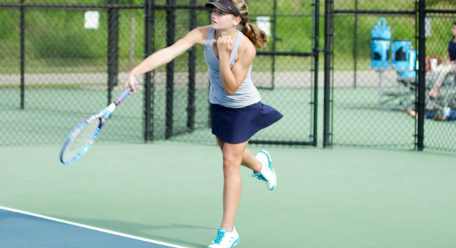 Girls Tennis Drops Match to River Bluff