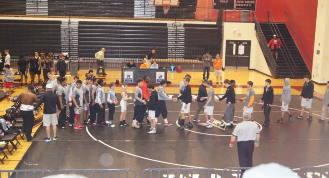Knight Wrestlers Take 35-33 Win Over Wando (pictures)