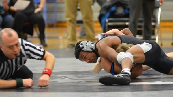Brandon Harris pins Salem wrestler