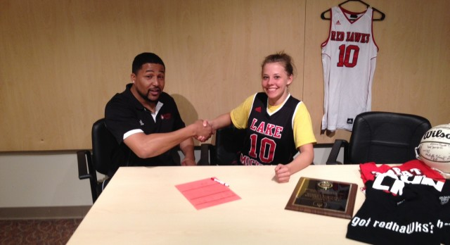 Mallory Miller signs with Lake Michigan College