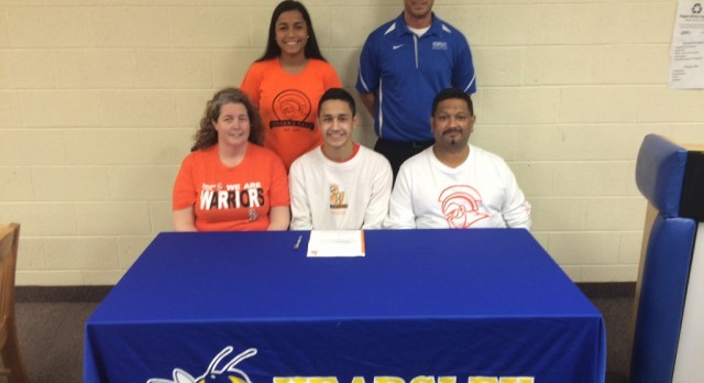 Brevin Dias signs with Indiana Tech