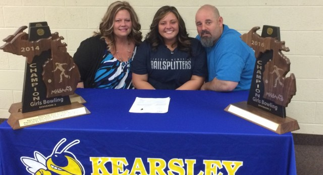 Alexxa Flood signs with Lincoln Memorial University