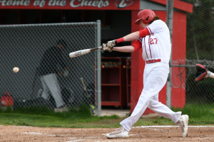 Senor Justin Dolney is on FIRE in the batter's box.