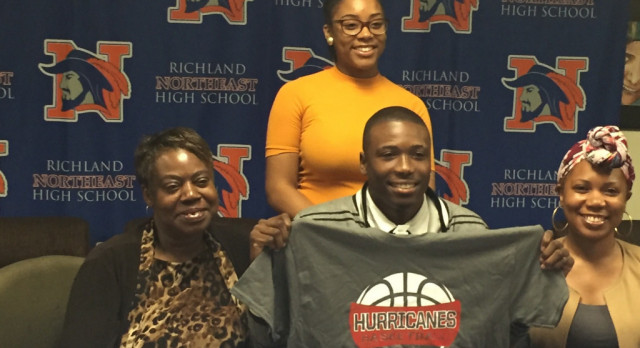 Marquise Riley signs NLT to play Basketball at Louisburg College