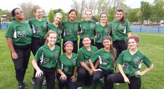 Oakland Christian Softball Makes it to District Finals