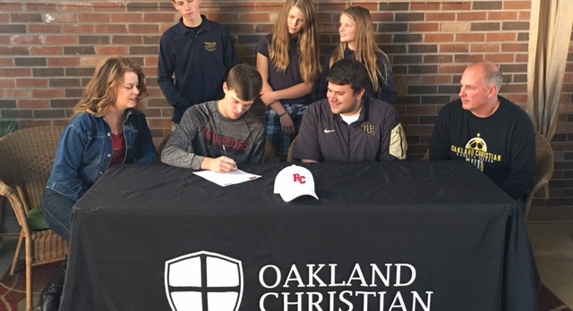 Tison Signs with Rochester College