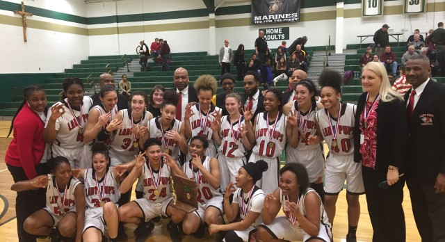 McKinley High School Girls Varsity Basketball beat Stow High School 37-36