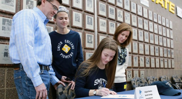 The Saline Post: Abby Morton Commits to Play Field Hockey at Smith College