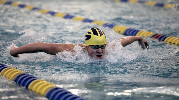8O7A4105 saline swim and dive at SECs spears