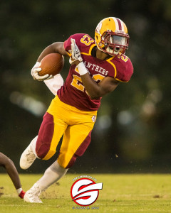 Jermaine Blackwell outraces the opposing defense on his way to the endzone. Pic by Shawn Knox Images.
