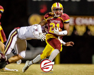 D.Washington carries the ball vs. Ninety Six. Pic by Shawn Knox Images