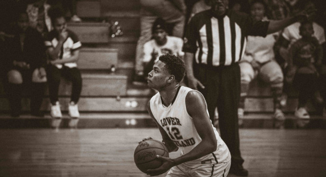 LR's Boys Travel to Lakewood for Second Round of Playoffs