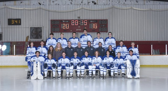 Hockey team defeats Waterford on late goal