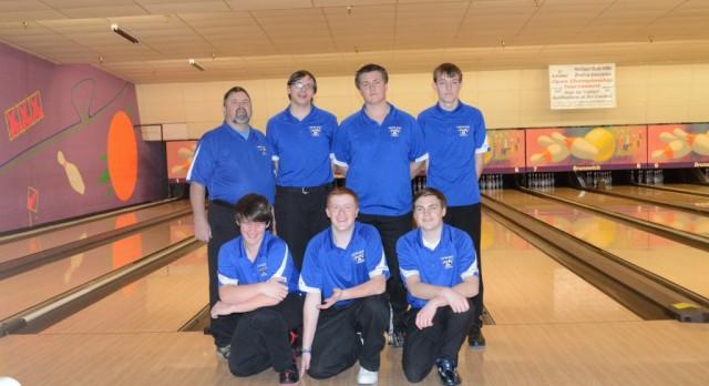 Bowling teams split with Waterford Mott