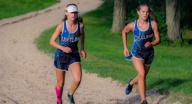 Lakeland High School Girls Varsity Cross Country beat Waterford Mott High School 27-32