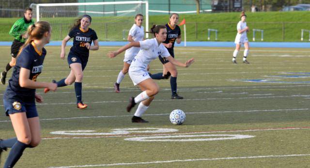 Lakeland High School Girls Varsity Soccer beat Walled Lake Central High School 2-1