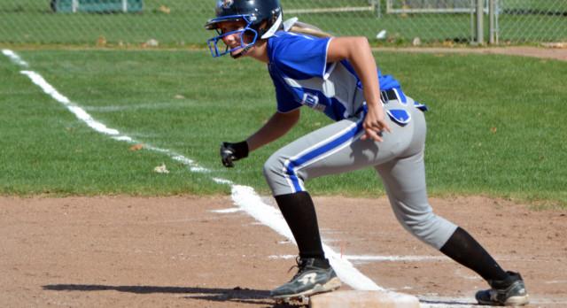 Softball wins Michigan Challenge Tournament