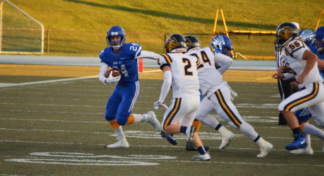 Lakeland High School Varsity Football beat South Lyon High School 34-14