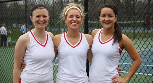 Varsity Tennis Wins Third Straight