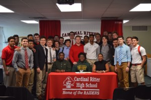 Avery Hall Signing (15)