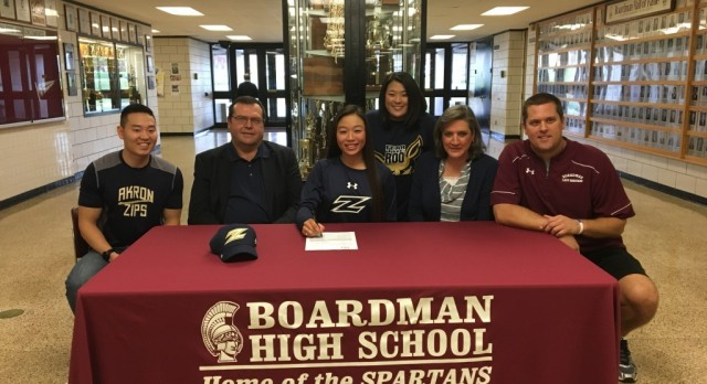 Golfer Jacinta Pikunas Signs National Letter of Intent To Attend Akron University