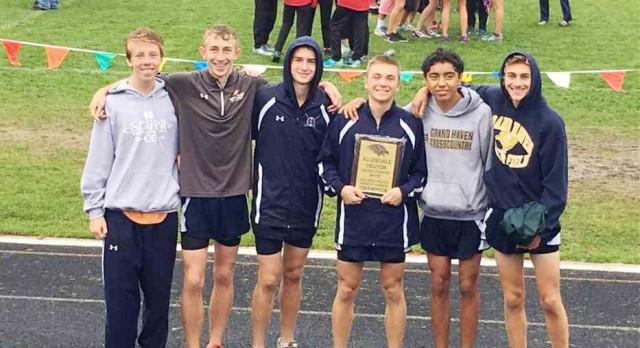 Cross Country Roundup: Grand Haven boys win Falcon Invite