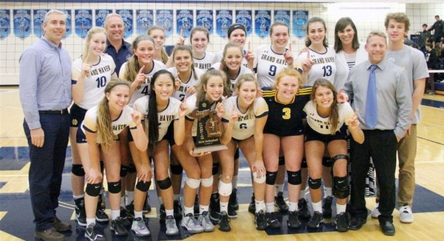 Grand Haven volleyball wins 10th-straight Class A district championship