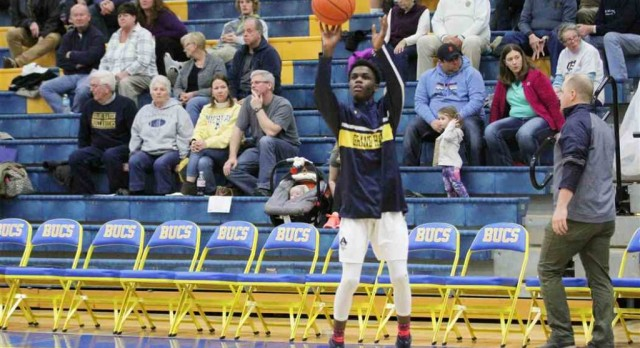 Boys Basketball Gets Road Win at East Kentwood