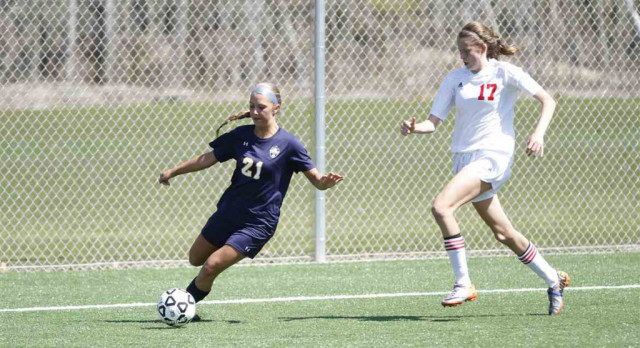 Girls Soccer Falls to Mona Shores