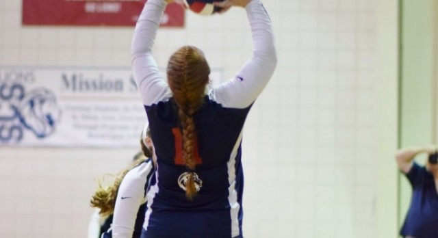 Statesville Christian School Girls Varsity Volleyball beat University Christian School 3-0