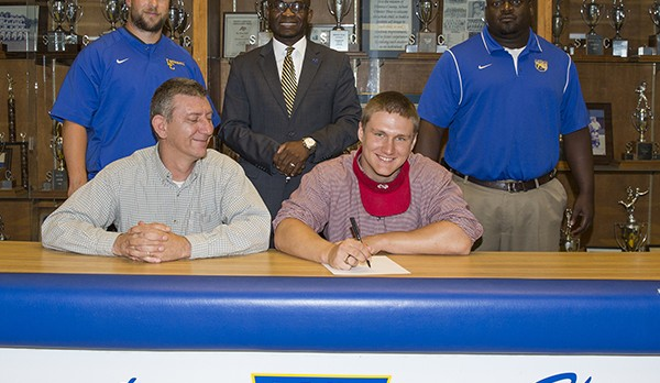 Reynolds Signs with North Greenville