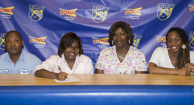 McKnight Inks With Coker