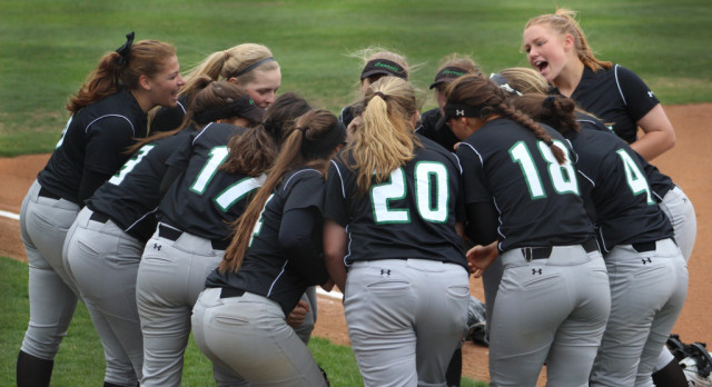 Lady Dragon Softball stays alive with 5 run 7th vs. Bell