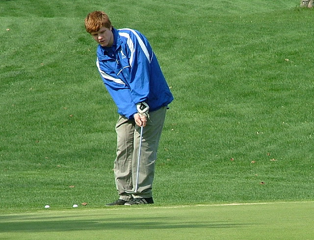 Hopkins Varsity Golf Places Second