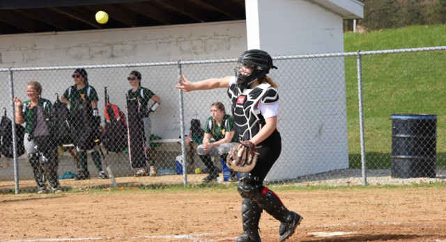 Softball Gets Down Early in Loss to Bethany Christian