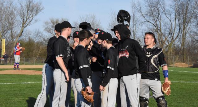 Baseball Falls to St. Joe in Extra Innings in Regional Championship