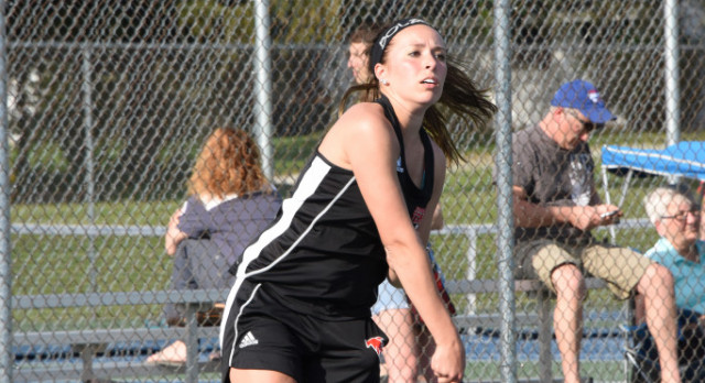 Tennis Beats Clay in NIC Tourney