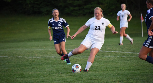 Girls Soccer Beats Plymouth to Move on to Sectional Semi-Finals