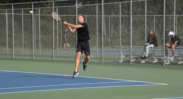 Tennis Wins in 2nd Round of NIC Tourney Play