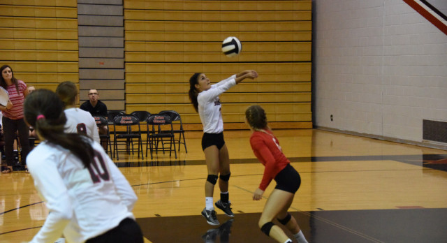 Volleyball Loses Tough NIC Battle vs Marian