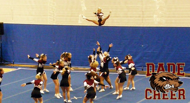 DCHS Cheerleading Advances to State