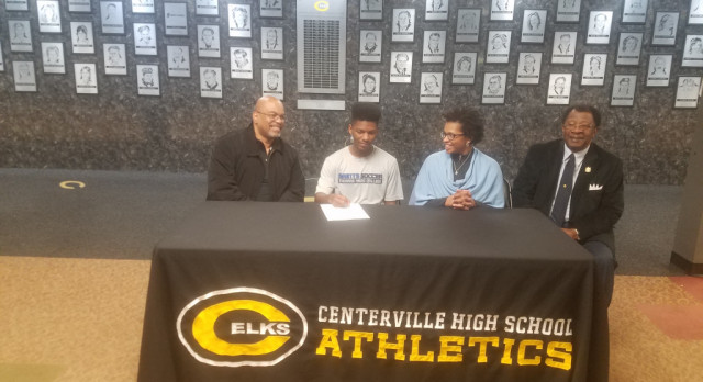 Tennon Signs With Thomas More