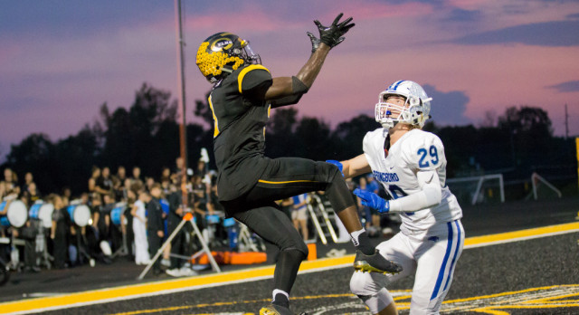 Elks Topple Panthers on Thursday Night Lights