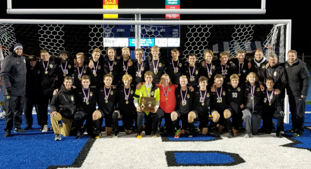 Boys Soccer Stuns Moeller to Win District Title
